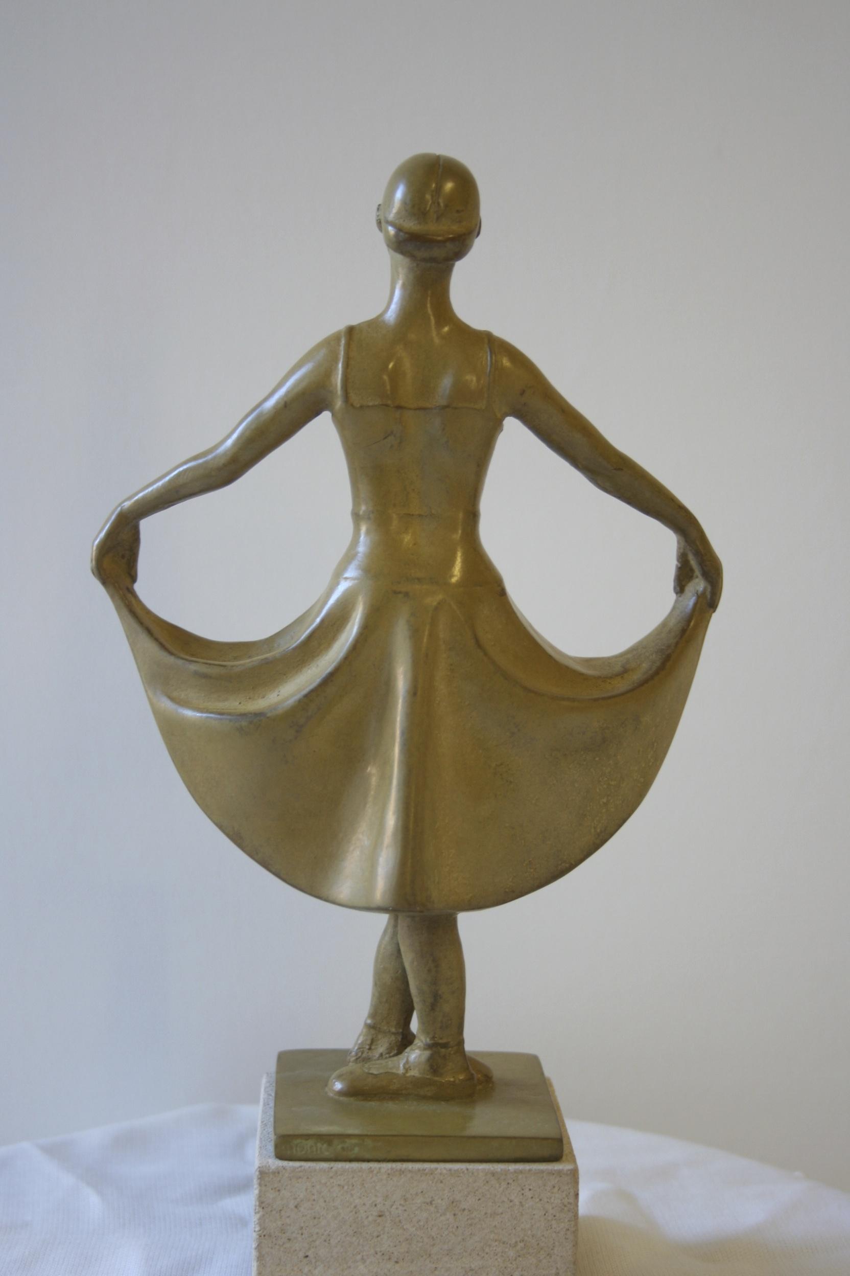 Monic van helvoirt bronzen beelden